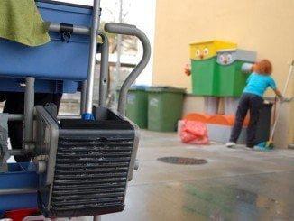 La empresa de limpieza de colegios y dependencias municipales es una de las afectadas