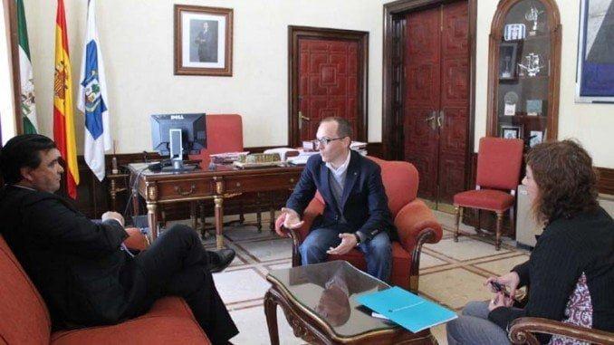 El alcalde de Huelva y el director del Festival de Cine Iberoamericano quieren revitalizar el certamen