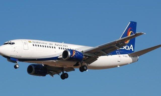 Un avión de BOA sobrevuela el espacio aéreo.