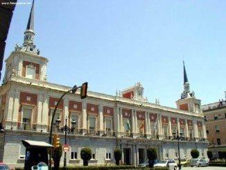 El Ayuntamiento cerrará el mes con 221,8 millones de deuda