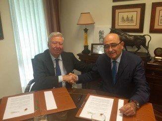 García Palacios y José María Loring rubrican el acuerdo