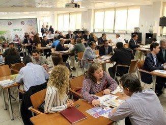 Uno de los encuentros bilaterales que se celebran dentro del IV Encuentro de Materiales de Construcción