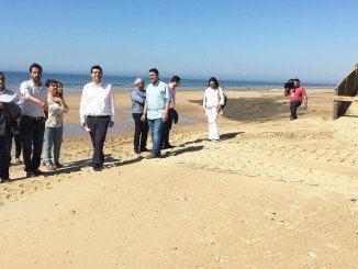 Mario Jiménez se ha trasladado hasta Islantilla para conocer el estado de la playa