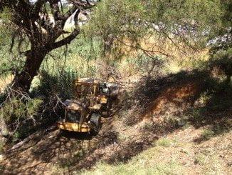 El Ayuntamiento cuenta con un tractor con apero escarificador para la limpieza de pastos