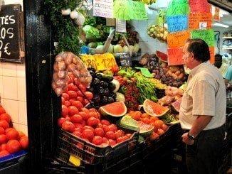 Los españoles gastamos más en comer tanto dentro como fuera de casa, según un informe de Magrama