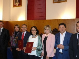 El rector y la alcaldesa de Riotinto en la presentación del Aula de la Experiencia de la Universidad