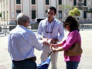Marín ha visitado el mercado de Huelva y hablado con los autónomos