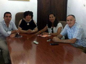El candidato de la formación naranja al Congreso durante su visita a la Sierra de Huelva