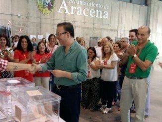 Manuel Guerra invita a votar para romper los extremos