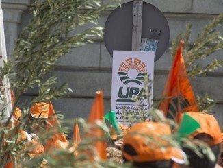 retrospectiva de una imagen de las protestas de UPA por la PAC ante el Ministerio de Agricultura