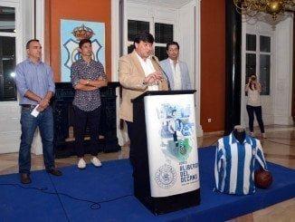 Representantes de las Peñas y de Trust, junto al alcalde, han estado presentes en la Secretaría Municipal del acto administativo del acta de ocupación por el Ayuntamiento de Huelva de las acciones de Gildoy en el Recre