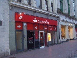 Los grupos bancarios españoles han reducido sus beneficios hasta los 2.958 millones de euros