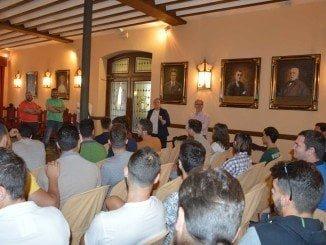 El equipo de profesionales estuvieron presentes en el acto de entrega de la bandera de la Q a Almonte