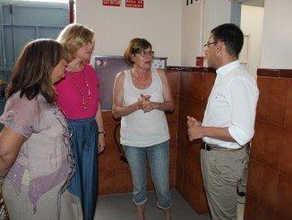 El PP ha visitado a Rosa Espada, que mantiene un encierro indefinido por la falta de apoyos