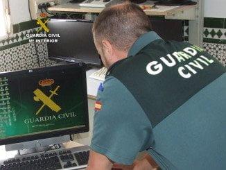 La Guardia Civil detuvo al individuo tras recibir una llamada que advertía de un posible robo