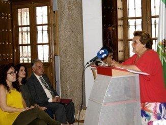 La alcaldesa interviene en el acto de entrega de diplomas a los participantes en el programa