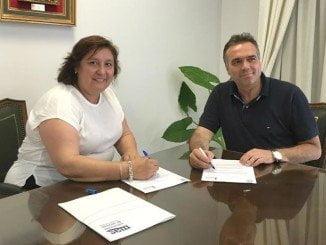 La presidenta de MAS, Laura Pichardo, y el alcalde de La Palma, Manuel García Félix