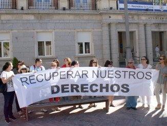 Trabajadores Emlicodemsa protestan ante las puertas del Ayuntamiento
