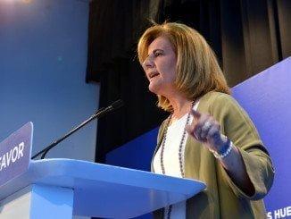 La onubense Fátima Bañez asume el ministerio que dirigía Alfonso Alonso, candidato a lehendakari