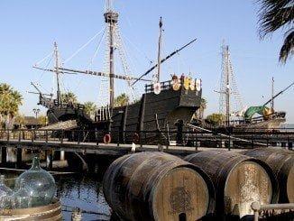 Uno de los lugares emblemáticos de nuestra provincia es el Muelle de las Carabelas