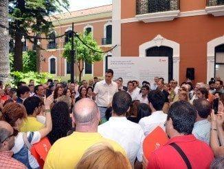 """Sánchez dice en Huelva que la solución a este país """"está en la papeleta del PSOE"""""""