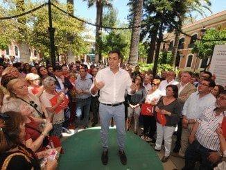 El líder de los socialistas durante la campaña electoral en Huelva