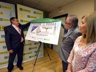 El cupón solidario ha sido presentado en la sede de la ONCE en Huelva