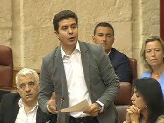SergioRomero, de C´s, increpa a susana Díaz en el Parlamento