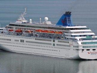 Este buque, de 207 metros de eslora, llega al Puerto de Huelva