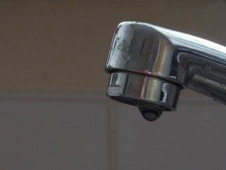 Los cortes de agua dejan indefensos a los usuarios