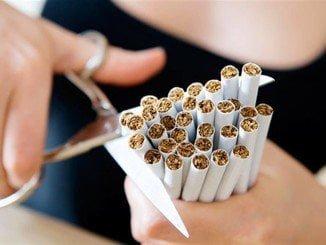 El Centro de Salud de El Torrejón anima a los jóvenes a dejar de fumar