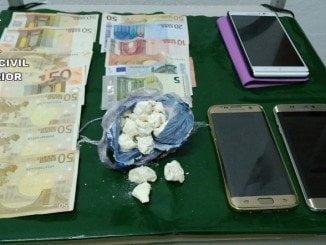 La Guardia Civil  ha aprehendido 75 gramos de droga y 450 euros