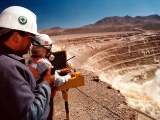 El Seminario se fundamenta en la importancia de las materias primas minerales para la economía