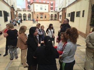 Esther Cumbrera ha mantenido un encuentro con vecinos del Edificio Buenos Aires