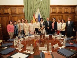 La recién constituida  Asociación Nacional de Mujeres de la Pesca se reúne con la Ministra del ramo
