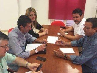 Ignacio Caraballo y Sebastián Donaire intercambian impresiones poniendo el acento en los graves problemas que tiene la provincia de Huelva por su déficit de infraestructuras
