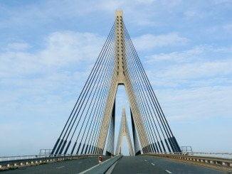 El suceso tuvo lugar a las 12.04 del mediodía de este domingo en el Puente Internacional de Ayamonte