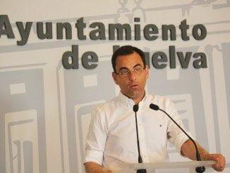 Huelva está sufriendo estos días la peor campaña de promoción que se podría hacer, lamenta Sánchez