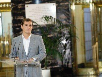 Rivera lamenta que el PSOE haya rechazado un gobierno de consenso a tres bandas