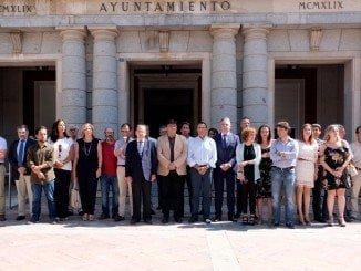 Huelva entera se suma con un minuto de silencio al sentimiento de pesar tras lo ocurrido anoche en Niza