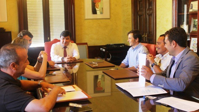 Luis Arroyo se ha mostrado satisfecho con el encuentro por el interés del alcalde