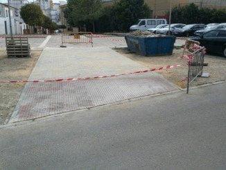 Obras para realizar un acceso para vehiculos de emergencias en la Calle Las Delgadas