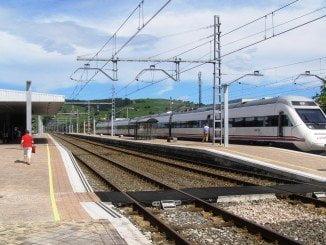 Los retrasos y averías que se suceden en esta línea afectan al turismo, asegura Ciudadanos