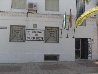 La Policía Local de Bollullos recibió la alerta del incendio sobre las 04:50 horas