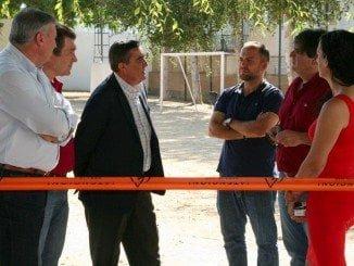 El delegado territorial de Educación ha visitado el centro junto al alcalde y el director