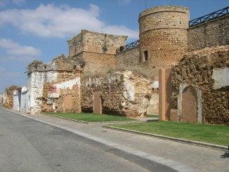 El magnífico escenario del Castillo de Niebla acoge el Festival de Teatro y Danza