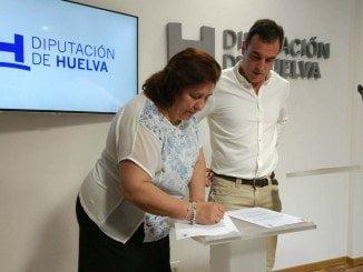 La presidenta de la MAS y el alcalde de Bollullos firman el acuerdo