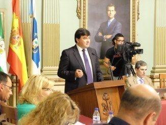 El alcalde, Gabriel Cruz, en su intervención durante el Debate sobre el Estado de la Ciudad