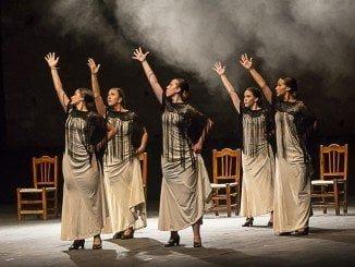 Un momento de la actuación de la Escuela de Danza 'Isa Cantos' de Niebla