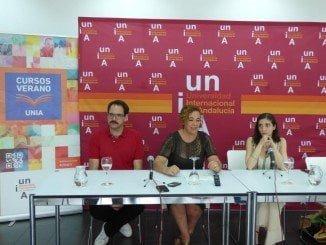 Yolanda Pelayo junto a Espido Freire y Jorge Usón en la presentación del curso
